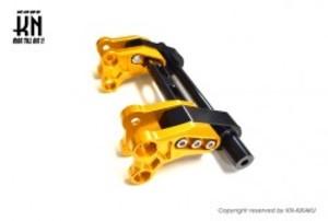 ZOO 強化アルミエンジンハンガー【シグナス グリフィス(6型)/BWS125(3型)/NMAX125/155(2型/V2】ゴールド/ブラック