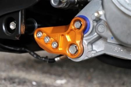 ZOO 強化アルミエンジンハンガー【シグナス グリフィス(6型)/BWS125(3型)/NMAX125/155(2型/V2】ブルー/ブラック