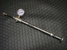 サスペンション用空気圧調整ポンプ